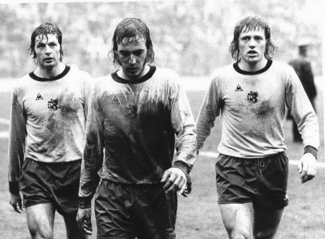 Supercoppa_UEFA_1973_-_Milano,_1974_-_Milan_vs_Ajax_-_Suurbier,_Neeskens_e_Haan.jpg
